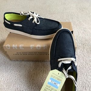 Men's Tom's size 9 NWT and Box